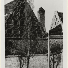 Hans Finsler (1891 - 1972), Giebel Burg Giebichenstein, 1928 – 1931, Silbergelatine © Nachlass Hans Finsler Foto: Stiftung Dome und Schlösser in Sachsen-Anhalt