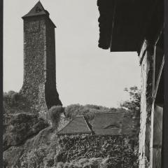 Hans Finsler (1891 - 1972), Bergfried der Ruine Burg Giebichenstein, 1929, Silbergelatine © Nachlass Hans Finsler Foto: Stiftung Dome und Schlösser in Sachsen-Anhalt