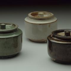 Marguerite Friedlaender (1896 - 1985), Drei kleine Dosen, 1926/27, Steinzeug © Nachlass Marguerite Friedlaender Foto: Klaus E. Göltz