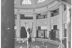 Hans Finsler (1891 - 1972), Stadtbad - Frauenbad, 1927 – 1932, Silbergelatine © Nachlass Hans Finsler Foto: Stiftung Dome und Schlösser in Sachsen-Anhalt