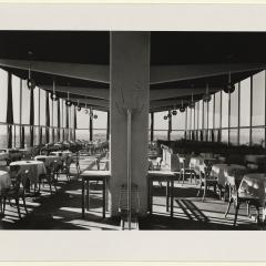 Hans Finsler (1891 - 1972), Flughafenrestaurant, Obergeschoß, 1931, Silbergelatine Foto: Stiftung Dome und Schlösser in Sachsen-Anhalt